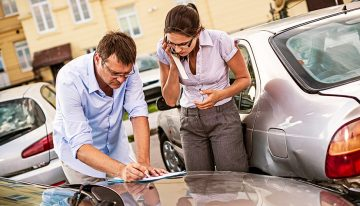 Ever Wondered What An Auto Insurance Claim Adjuster Does?
