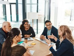 The most effective method to Effectively Manage a Team of Creative Professionals
